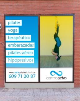 Doble ventana Centro Aetas - Creative Studio, diseño, web y publicidad en Toledo