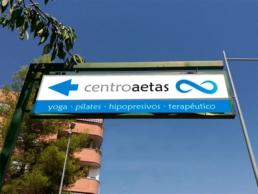Señal de la calle Centro Aetas - Creative Studio, diseño, web y publicidad en Toledo